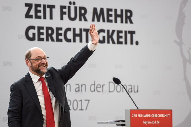 Aktionsgruppe fordert: Alles, was Schulz heißt, soll draußen bleiben!