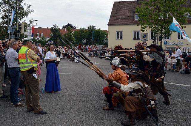 Polizei in Neuburg bedroht! Wer steckt dahinter?